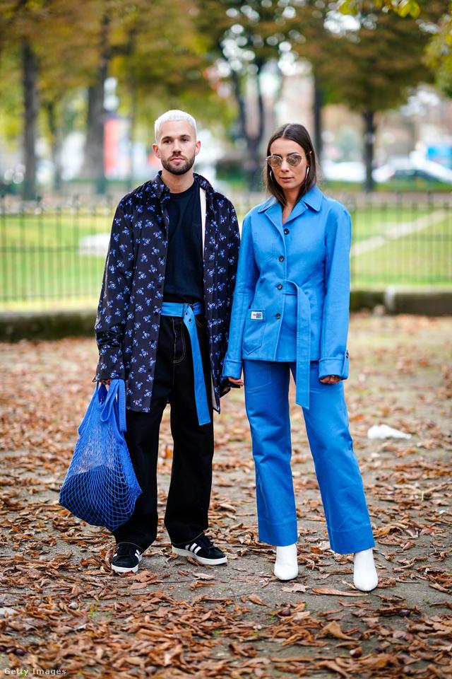 Az igazán menő arcok nem Chanel táskával pózoltak a párizsi divathéten, hanem hálóssal.