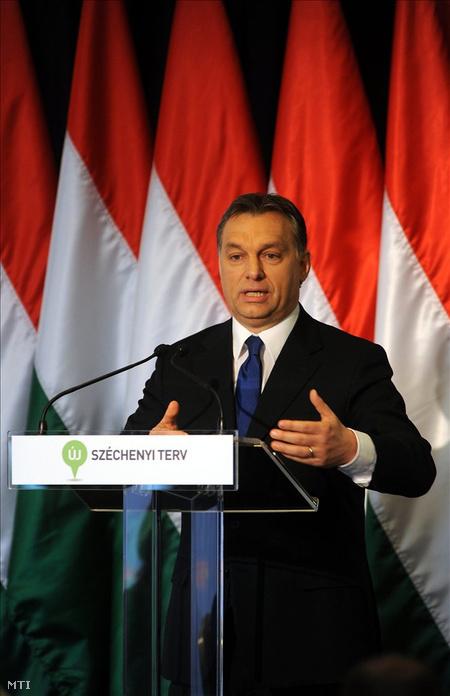 Orbán Viktor miniszterelnök az Új Széchenyi Terv (ÚSZT) bemutató tájékoztatóján, a Budapest Marriott Hotelben. (Fotó: Kovács Attila)