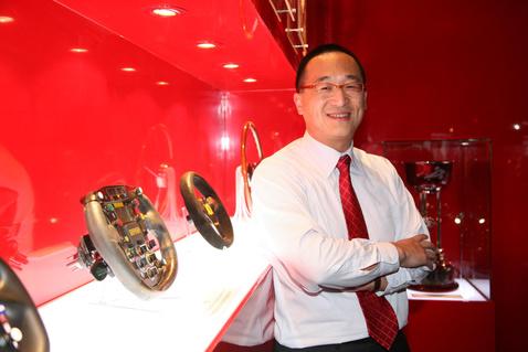 The-999-Ferrari-owner-Johnson-Zhang