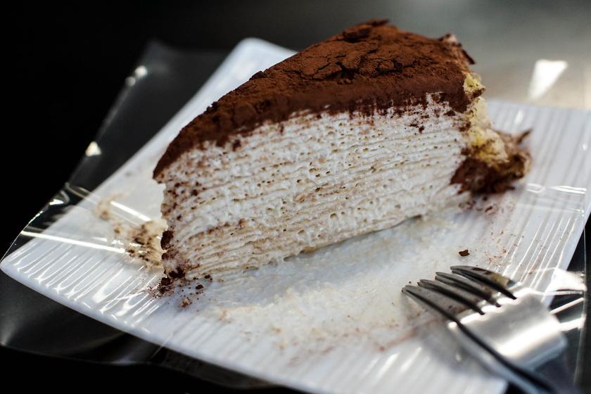 Emeletes Bounty-palacsinta: mennyei desszert kókuszos krémmel töltve