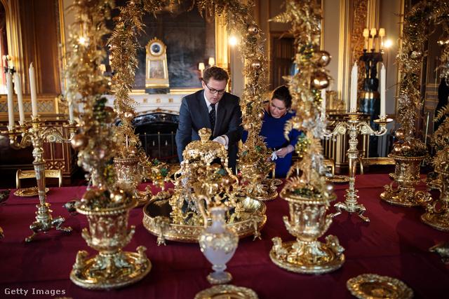 """""""Viktória és Albert általában minden karácsonyt itt töltött Windsorban, most azt az étkészletet tettük fel, amit ők használtak."""" – mondta a Royal Collection Trust kurátora."""