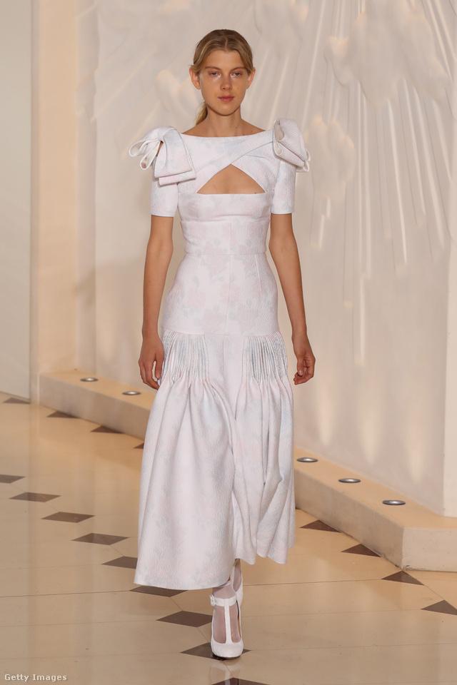 Modern menyasszony lenne Meghan Markle egy ilyen Emilia Wickstead ruhában.