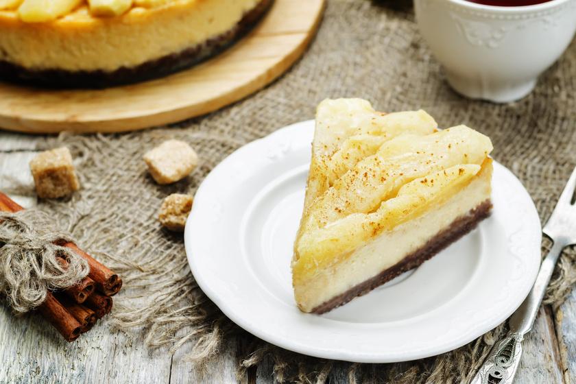 Almás sajttorta téli fűszerekkel: a belseje remegős