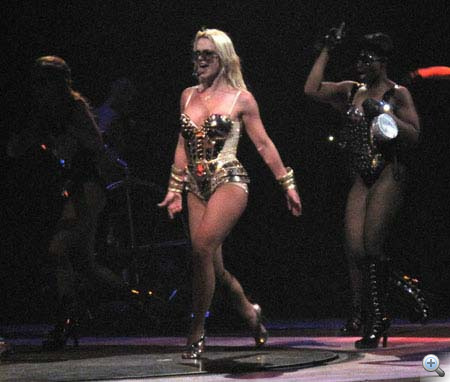 britney-spears-new-orleans-circus-show-tour-performance-2