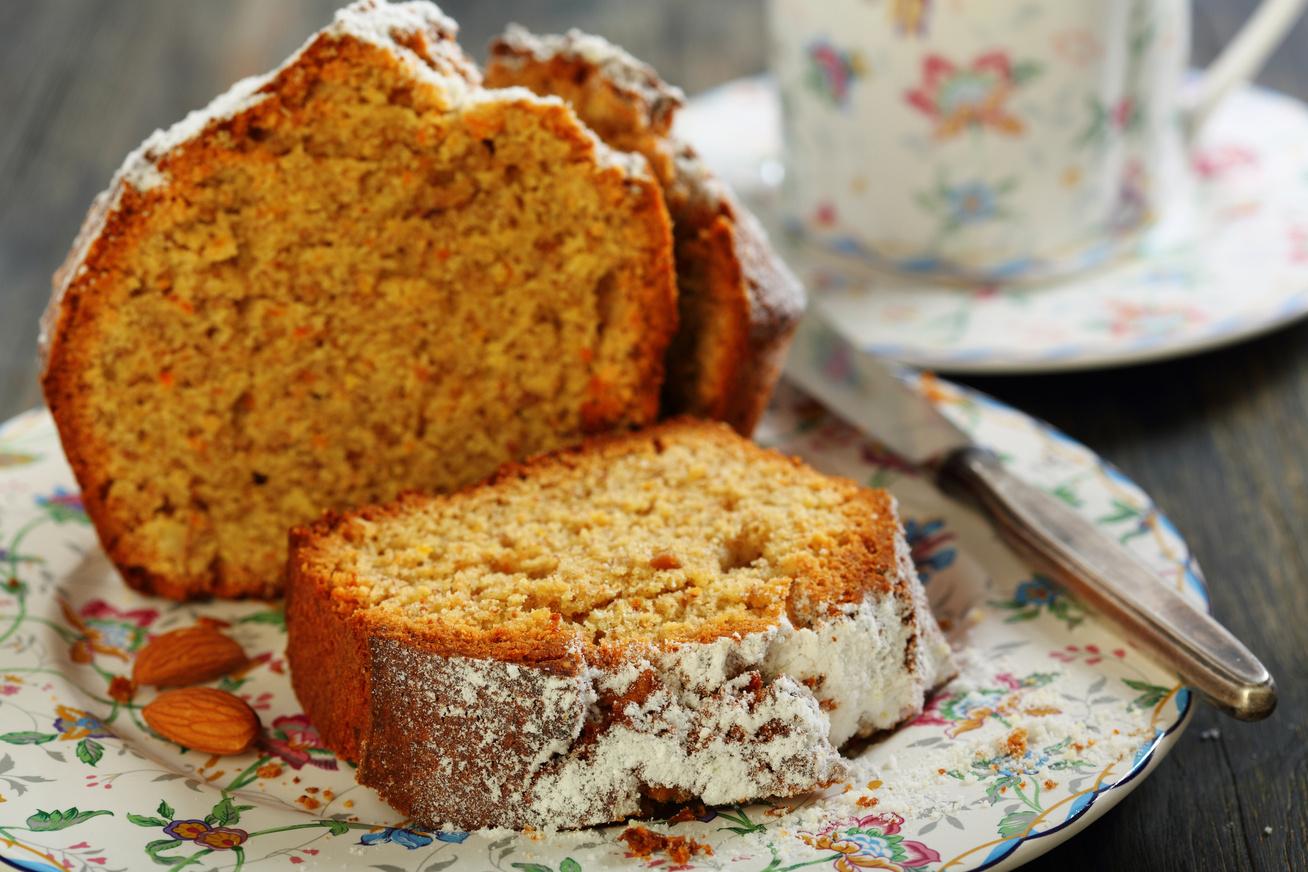 Hipergyors kevert karácsonyi süti: almás-mandulás szeletek