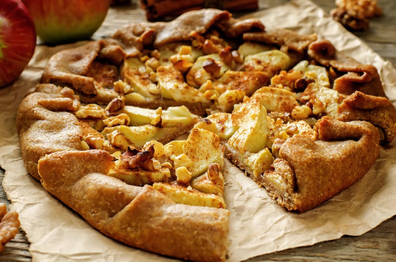 Almás-diós hajtogatott pite - A tészta omlós, a töltelék szinte krémes