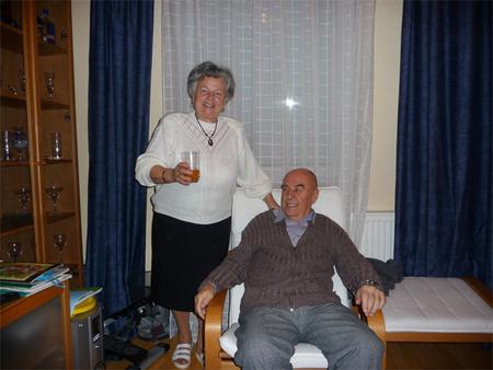 Fotó a legidősebb neten ismerkedő párról. Forrás: Randivonal