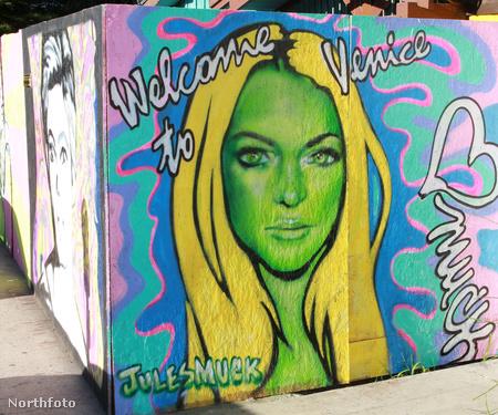 Lindsay Lohan graffitin