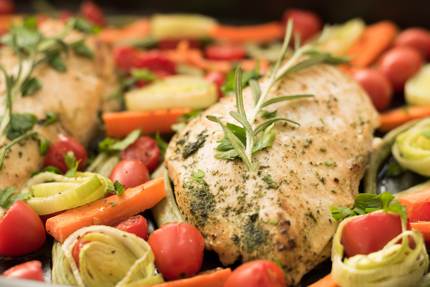 Egyedényes zöldséges csirkemell: ennél egyszerűbb már nem is lehetne