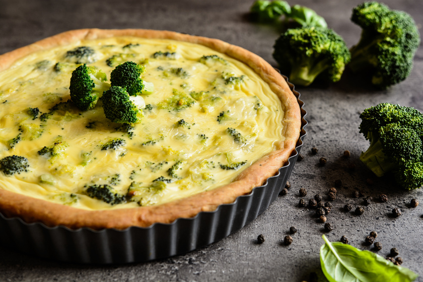 Egyszerű brokkolis, sajtos lepény: kívül ropogós, belül krémes