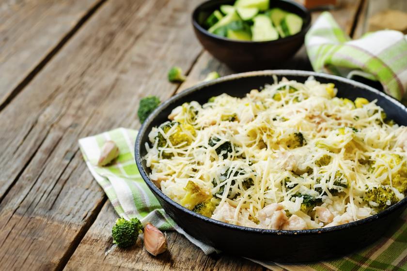 Karcsúsító csirkés, brokkolis rizs: olyan finom, hogy hetente többször is megennéd