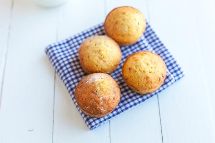 Egyszerű, omlós, fehér csokis muffin: mennyei süti minden alkalomra