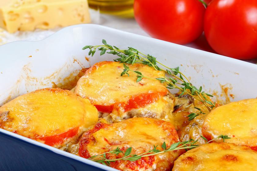 Fűszeres, zöldséges rakott karaj sok sajttal a tetején - Pazar főfogás körettel sütve