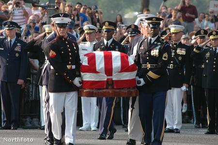 regan funeral - casket transfer- krauze 7