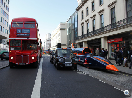 BLOODHOUND Strand Taxi RouteMaster(2)
