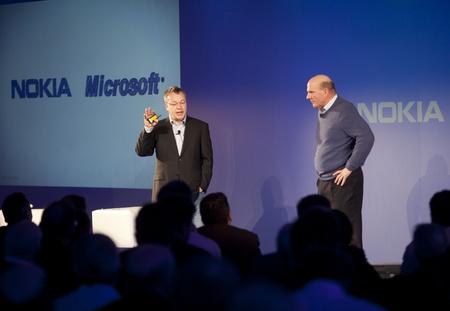 Stephen Elop a Nokia és Steve Ballmer a Microsoft vezére