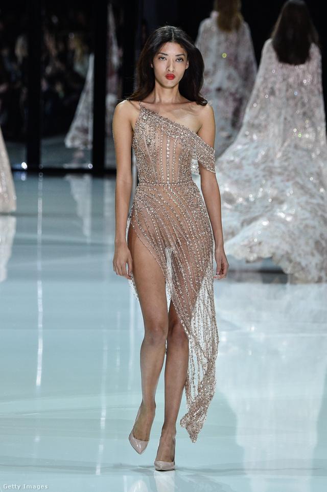 """Vajon Bella Hadid vagy Kendall Jenner viszi magával ezt a Ralp & Russo """"ruhát"""" a Cannes-i filmfesztiválra?"""