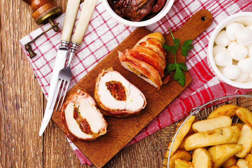 Töltött paradicsomos csirke fűszeresen - Nincs benne sok kalória, mégis laktató