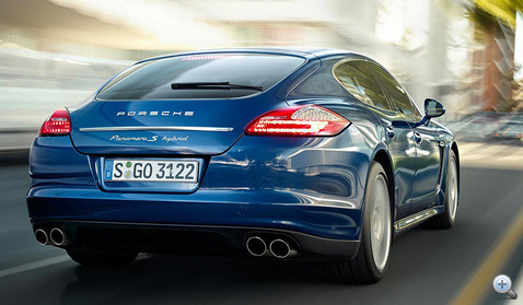 Porsche-Panamera-S-Hybrid-f900x600-F4F4F2-C-335c7a7d-454847