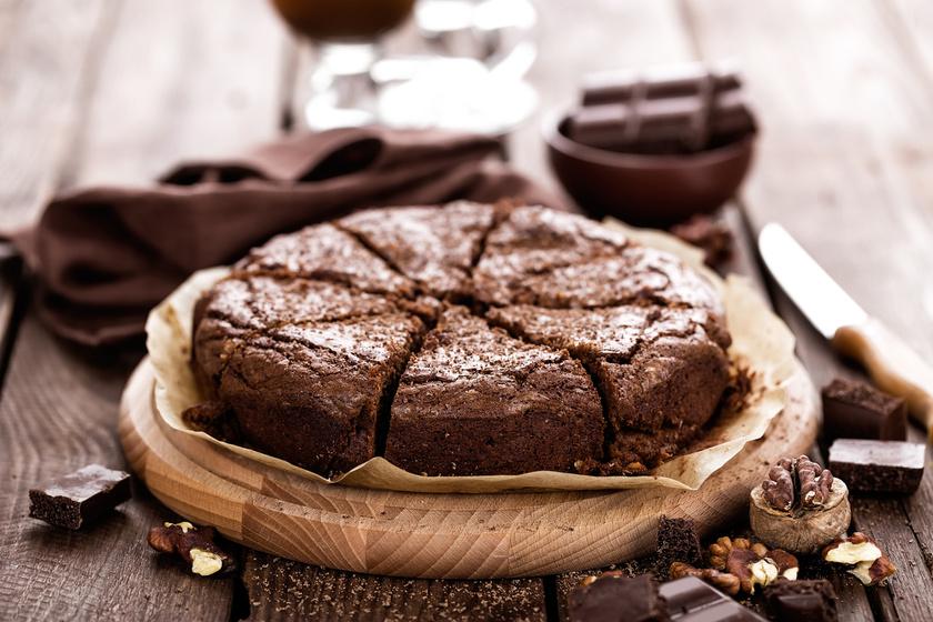 A leggyorsabb csokitorta, ami szinte szétolvad a szádban: 25 perc, és kész