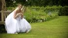 A csokor késett, Judit kiborult: a menyasszonyi pánik