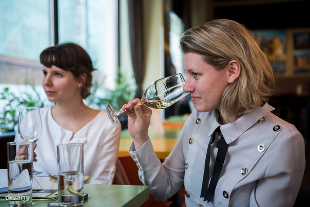 Jandrasics Borbála, borszakértő vezette a bortúránkat.