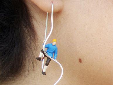 Izgalmas élethelyzetek lógnak a fülből