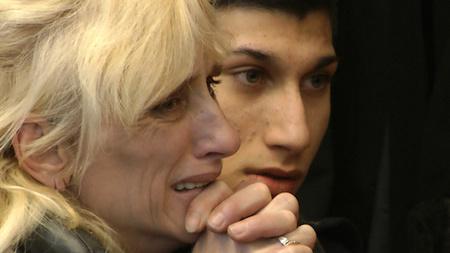 Összesen 29 év börtönbüntetésre (illetve ebből az egyik fiatalkorú elítéltet 2 és fél év javítóintézetre) ítélte a Pesti Központi Kerületi Bíróság azt az öt férfit és két nőt, akik megtámadtak egy diákot a józsefvárosi Tavaszmező utcában.