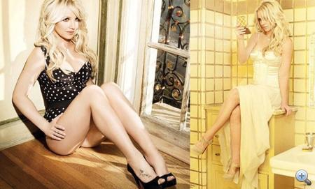 Spears így promózza új albumát: pöttyös bodyban és estélyiben.