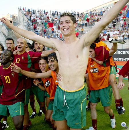 Cristiano Ronaldo 18 évesen, még az U21-es válogatott tagjaként 2003 júniusában