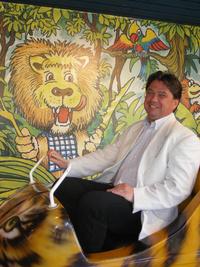Csomós Miklós főpolgármester-helyettes a Tréfás Dzsungel Vasúton