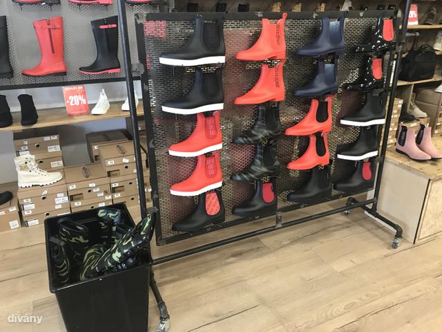 Devergo Shoes: gumicsizmák 4000 forint környékén