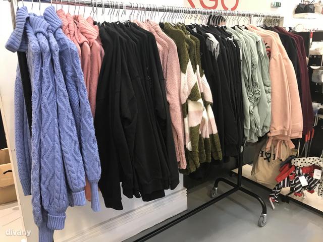 Mango: magas nyakú pulóver 11 995 forint helyett 6995 forintért