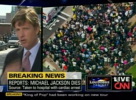 Rajongók a Los Angeles-i kórház előtt