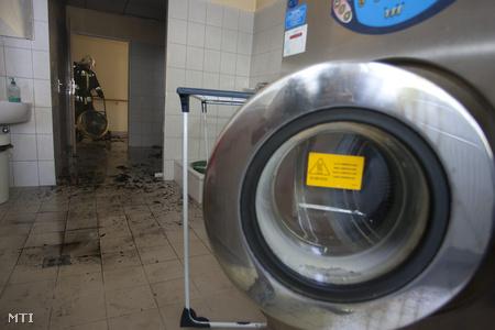 Kigyulladt a nagykanizsai fogyatékos otthon mosodája (fotó: Varga György)