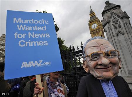Tüntetés a brit parlament épülete előtt