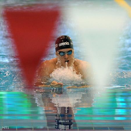 Debrecen, 2011. június 25. Gyurta Dániel versenyez a férfi 200 méteres mellúszás versenyszámában a debreceni Városi Sportuszodában megrendezett 13. országos úszóbajnokságon. MTI Fotó: Oláh Tibor