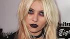 Taylor Momsen zombiszeme és még 4 híres szépségbaki