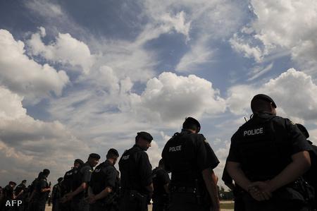 Koszovói rendőrök