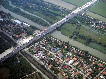Az épülő M0-s híd a soroksári Duna-ágon (Fotó: Klebercz Dezső)