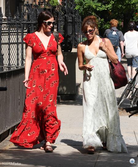 Liv Tyler és Eva Mendes: a maxiruha egyelőre nem ment ki a divatból