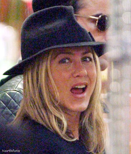 Sminkeletlen Aniston - nem gonoszak vagyunk, csak ez a kép volt