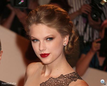 Taylor Swift piros rúzsa nagyon csillog, de ez is menő.