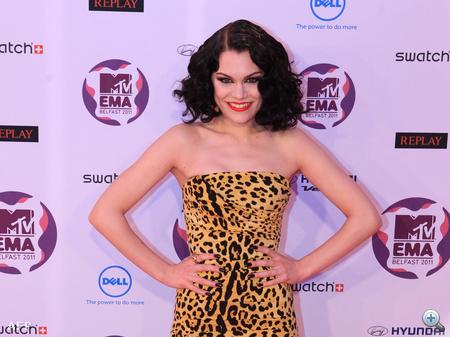 Akárcsak Selena Gomez, Jessie J is átöltözött egy párszor