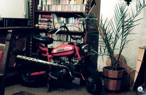 Második motoros karrierem első gépe a Búza utcai nappalinkban