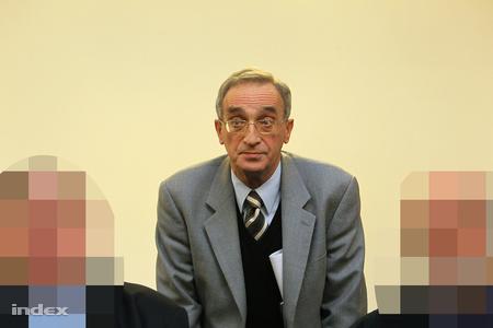 A vádlottak közül egyedül Rabin László engedte fotózni magát