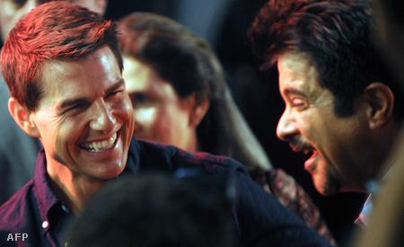 Tom Cruise és Anil Kapoor indiai színész a Mission Impossible új részének mumbai premierjén, december 4-én