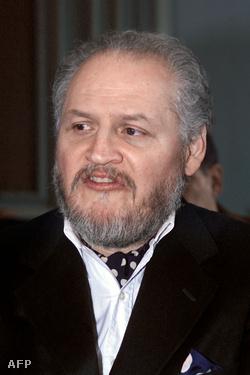 Carlos 2001-ben