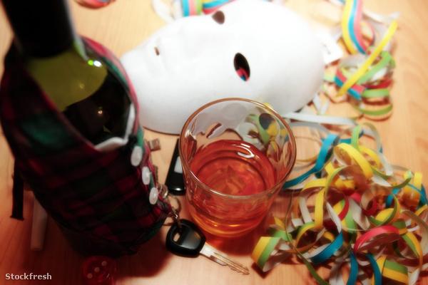 stockfresh 1172750 office-party-drunk sizeM