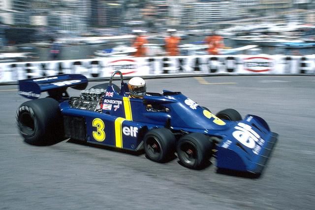Jodie Scheckter, Tyrrell Ford P34 (1976). Derek Gardner legismertebb autója a hatkerekű Tyrrell. Az alapötlet szerint a két pár tízcollos kerék sokkal kisebb homlokfelülettel rendelkezett, mint az akkoriban használt nagyobb kerekek, ezen felül nagyobb területen érintkezett az úttal és a fékfelületek is nagyobbak, mint egy pár nagyobb méretű keréknek. Az autó orra ráadásul jóval alacsonyabbra kerülhetett. Jody Scheckter, a csapat akkori sztárja már előre sejtette a jövőt, de eleinte még nem vették komolyan, főleg azok után, hogy ő és csapattársa, Patrick Depailler az első két helyet szerezték meg a 76-os Svéd Nagydíjon. Scheckter a szezon végén elhagyta a csapatot, nagy kupac szemétnek nevezve az autót. Helyét átvette Ronnie Peterson és a P34-est finoman áttervezték (P34B), előző változatához képest szélesebb és nehezebb lett és egyre inkább látszott, hogy Scheckternek igaza volt: a GoodYearnek nem volt érdemes külön versenyabroncsot fejlesztenie, megfizetni pedig képtelenség volt. Így a hatkerekű Tyrrell ugya